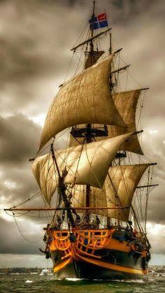 Μερικοί άνθρωποι είναι σαν τα καράβια … Μόνιμα αραγμένοι , σκουριάζουν ασφαλείς και μονάχοι … … και πάντα λαχταρούν ένα ταξίδι …