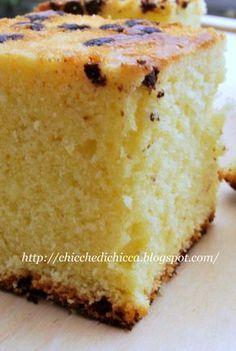 Un vasetto di panna in scadenza, mi ha fatto scoprire una torta davvero ottima, come quelle che piacciono a me, un po' umidine e che riman... Best Italian Recipes, Mini Pies, Antipasto, Cornbread, Vanilla Cake, Nutella, Banana Bread, Cheesecake, Food And Drink