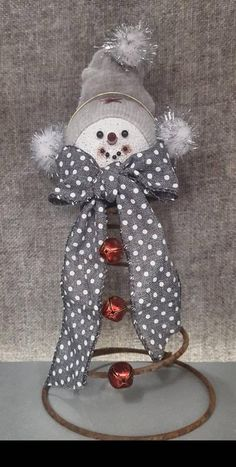 This snowmen measures approximately 9 inches tall to the top of his hat. His face is made of straigh. Christmas Lights Quotes, Red Christmas Lights, Christmas Snowman, Christmas Diy, Christmas Ornaments, Christmas 2019, Xmas, Christmas Towels, Christmas Crafts For Gifts