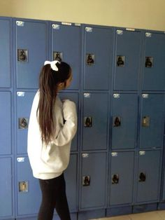 high ponytail, bow, over-sized sweater and leggings. cute and cozy :)