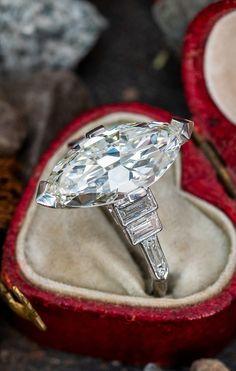 Vintage 4 Carat Marquise Diamond 🔥 . Sku REM17945