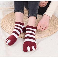 Mens Athletic Low Cut Ankle Sock Red And Black Deer Head Pattern Short Sports Sock