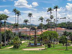 Praça Barão do Campo Belo com a bela arquitetura da cidade de Vassouras, Rio de janeiro, Brasil.