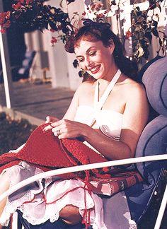 Paulette Goddard knitting at home c.1940's