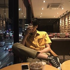 ↞ 💯❤ for more cool,cute,handsome and hot ulzzang pics ✨🌙↠ Cute Asian Guys, Cute Korean Boys, Asian Boys, Asian Men, Korean Boys Ulzzang, Ulzzang Boy, Korean Girl, Korean Fashion Men, Korean Men