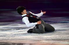 フィギュアスケートのエキシビションで選手が華麗な演技、ソチ五輪 国際ニュース:AFPBB News