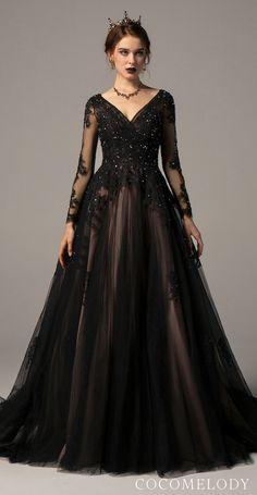 Applique Wedding Dress, Applique Dress, Black Wedding Gowns, Tulle Wedding, Black Ball Gowns, Goth Wedding Dresses, Pretty Dresses, Beautiful Dresses, Glamouröse Outfits