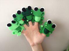 5 Green Speckled Frogs Finger Puppet Set