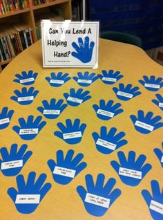 Great idea for back to school night! Hands are labeled with things that can be donated to the classroom by parents. Great idea for open house. Back To School Night, 1st Day Of School, Beginning Of The School Year, School Fun, School Ideas, School Stuff, School Info, School Teacher, Kindergarten Classroom