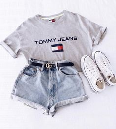 teenager outfits for school ; teenager outfits for school cute Teen Fashion Outfits, Cute Casual Outfits, Short Outfits, Look Fashion, Jeans Fashion, Fashion Beauty, Womens Fashion, 90s Fashion, Fashion Clothes