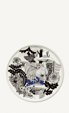 This medium-sized plate is decorated with a white, black and blue Veljekset pattern. The plate is made of dishwasher, oven, microwave and freezer proof white stoneware. Small House Decorating, Decorating Tips, Marimekko, Diy Tableware, Vintage Enamelware, African Textiles, Japanese Patterns, Textile Patterns, Floral Patterns