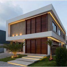 Arquitetura por Leila Azzouz Já postei essa arquitetura há alguns dias, mas nesta imagem, o projeto tem suas formas realçadas pela iluminação! Sigam @_casadecorada_