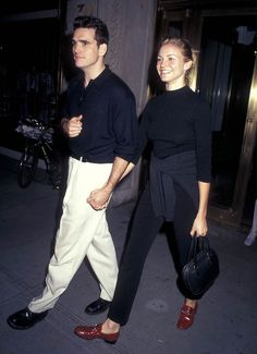 Actor Matt Dillon and actress Cameron Diaz attend the 'Matilda' New York City Premiere on July 1996 at the Coca-Cola Building in New York City. Get premium, high resolution news photos at Getty Images Looks Style, Looks Cool, Style Me, 90s Fashion, Vintage Fashion, Fashion Tips, Fashion Trends, Petite Fashion, Cameron Diaz 90s