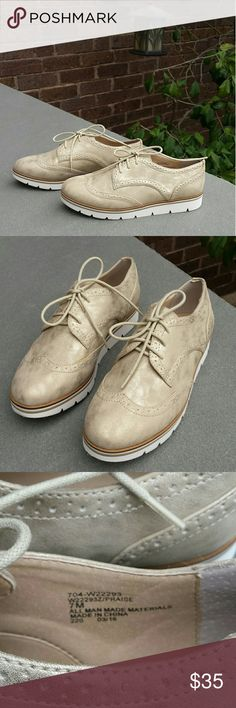 WHITE MNT Oxford Come with box, never have been worn. White Mountain Shoes
