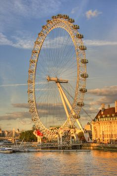 A nice subtle HDR from the edge of the Thames. The London Eye basking in the golden sunlight. Photo Storage, London Eye, Hdr, Fair Grounds, Eyes, Travel, United Kingdom, Viajes, Destinations