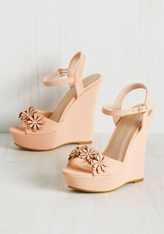 In these platform wedges, you'll for sure be feelin' The peachy pink hue, statement-making silhouette, and rows of stud-centered daisies atop these faux-leather kicks parade your shamelessly flirtatious style. Pink Wedge Sandals, Shoes Heels Wedges, Pink Heels, Wedge Shoes, Shoes Sandals, Heeled Sandals, Leather Sandals, Cute Shoes, Me Too Shoes