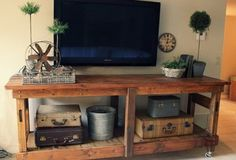 DIY Pallet Ideas – TV Stand