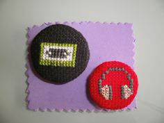 "Broches ""Music""  Casette y cascos"