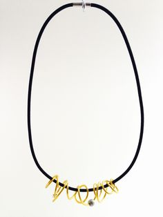 Short Loopt in gold round Wreaths, Jewels, Gold, Jewelery, Door Wreaths, Jewelry, Jewel, Deco Mesh Wreaths, Jewerly