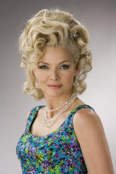 Michelle Pfeiffer in Hairspray Musical