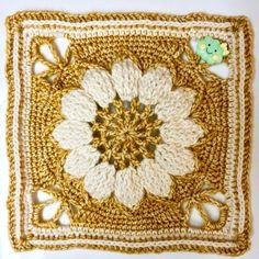 Jenny and I are very excited to bring you the pattern for Charlotte's Dream, a crochet blanket consisting of 12 Charlotte Squares.