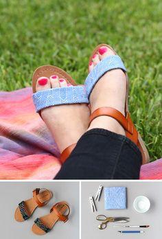 Sandalias renovadas con piezas de tela
