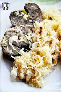 Quick Cheap Tasty : Wild boar tenderloin cooked with sauerkraut