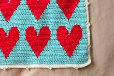 little woollie: More tapestry crochet, hearts this time!