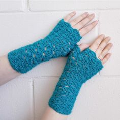 Turqoise fingerless gloves arm warmers wrist by MadeByKirsti