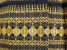 Dirndl mit Schürze, schwarz gelb, bestickt, Gr.42