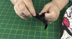 Origami Bag Tutorial: Easy to Make Market Tote Bag – Alanda Craft Source by Small Sewing Projects, Sewing Projects For Beginners, Sewing Tutorials, Bag Tutorials, Craft Tutorials, Diy Bags Patterns, Purse Patterns, Origami Tote Bag, Messenger Bag Patterns