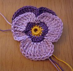gehaakt viooltje