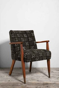 a little chair for the studio? //HYM Salvage X Urban Renewal Mud Cloth Danish Side Chair - Urban Outfitters African Interior, African Home Decor, Vintage Furniture, Home Furniture, Modern Furniture, Steel Furniture, Upcycled Furniture, Hymer, African Mud Cloth