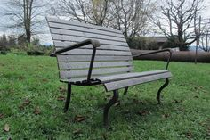 ♡  bench by Oliver Häberling