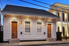 Creole Cottage Two Blocks from St. Charles - Apartments for Rent in New Orleans, Louisiana, United States