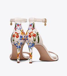 d87329ef41e99 Ellie Embroidered ankle-strap Sandal   Women s Sandales Chaussure, Sandales  Avec Bride Cheville,