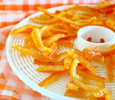 30 Ways You Can use a Citrus Peel Around The House | Make Candied Citrus Peel  by Pioneer Settler at http://pioneersettler.com/the-magnificent-orange-peel-excellent-uses-for-citrus-peels/