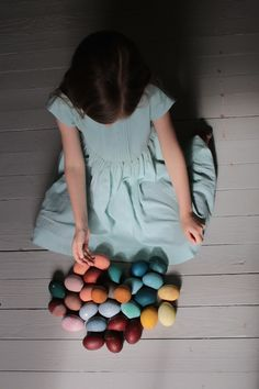 Soor Ploom SS15 : Kirsten Rickert : Naturally Dyed Eggs