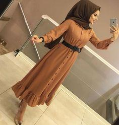 Skirt outfits hijab abayas New ideas Hijab Outfit, Hijab Dress, Dress Skirt, Muslim Fashion, Hijab Fashion, Fashion Dresses, Fasion, Muslim Girls, Muslim Women