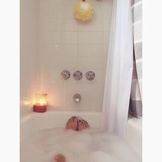 """"""" relaxing #epsomsalt bubble bath time. #recovery #rest #musclerecovery #relax #fitlife #zen #metime #schenectady #apartmentlife #justgirlythings #bath #bubblebath #bathtime"""" Photo taken by @fitfoodart on Instagram, pinned via the InstaPin iOS App! http://www.instapinapp.com (07/10/2015)"""