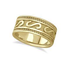 Allurez Men's Celtic Irish Hand Made Wedding Ring 14k Yellow Gold... (4.360 BRL) ❤ liked on Polyvore featuring men's fashion, men's jewelry, men's rings, mens anniversary rings, mens watches jewelry, mens rings, mens diamond band wedding ring and mens gold rings