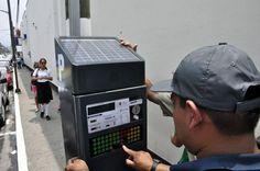 #ConElOjoCuadrado Entran en funcionamiento 35 parquímetros en #Cordoba http://elportal.mx/entran-en-funcionamiento-35-parquimetros-en-cordoba/…