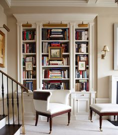 Gorgeous 54 Beautiful Reading Nook with Built-In Bookshelves https://toparchitecture.net/2017/12/29/54-beautiful-reading-nook-built-bookshelves/
