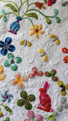 https://flic.kr/p/U8dxGu | B9 | Harriot by Sue Cody for Material Obsession. Applique work by Beth and quilted by Judi Madsen