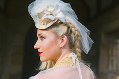 Top hat champagne veil altertinative bride by BespokeVintageCastle, £45.90