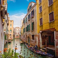 Living on the water.  That place on earth called Venice! •  •  #venezia #bdteam #travel #holidays #italy .