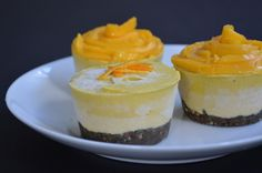 Orange Mango Mini Cheesecake (soaked cashews, orange, lemon, coconut oil, mango, nuts, dates)