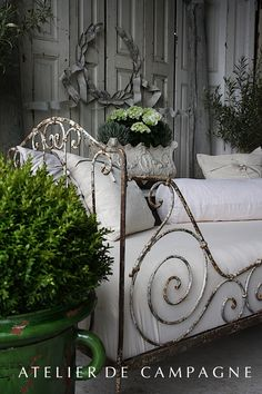 Daybed detail
