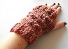 Two-needle wool mittens tutorial do it yourself diy accessories accessories lolahn handmade Source b