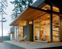 Danish Modern Design Design Ideas, Pictures, Remodel, and Decor - page 23 Beton Design, Concrete Design, Concrete Patio, Casas California, California Homes, Northern California, Modern Exterior, Exterior Design, House Foundation